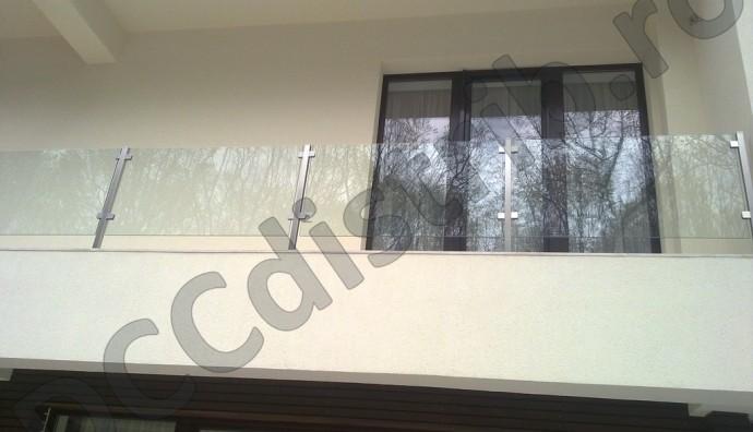 Balustradă inox cu panouri sticlă