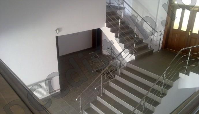 Balustradă inox cu trei traverse