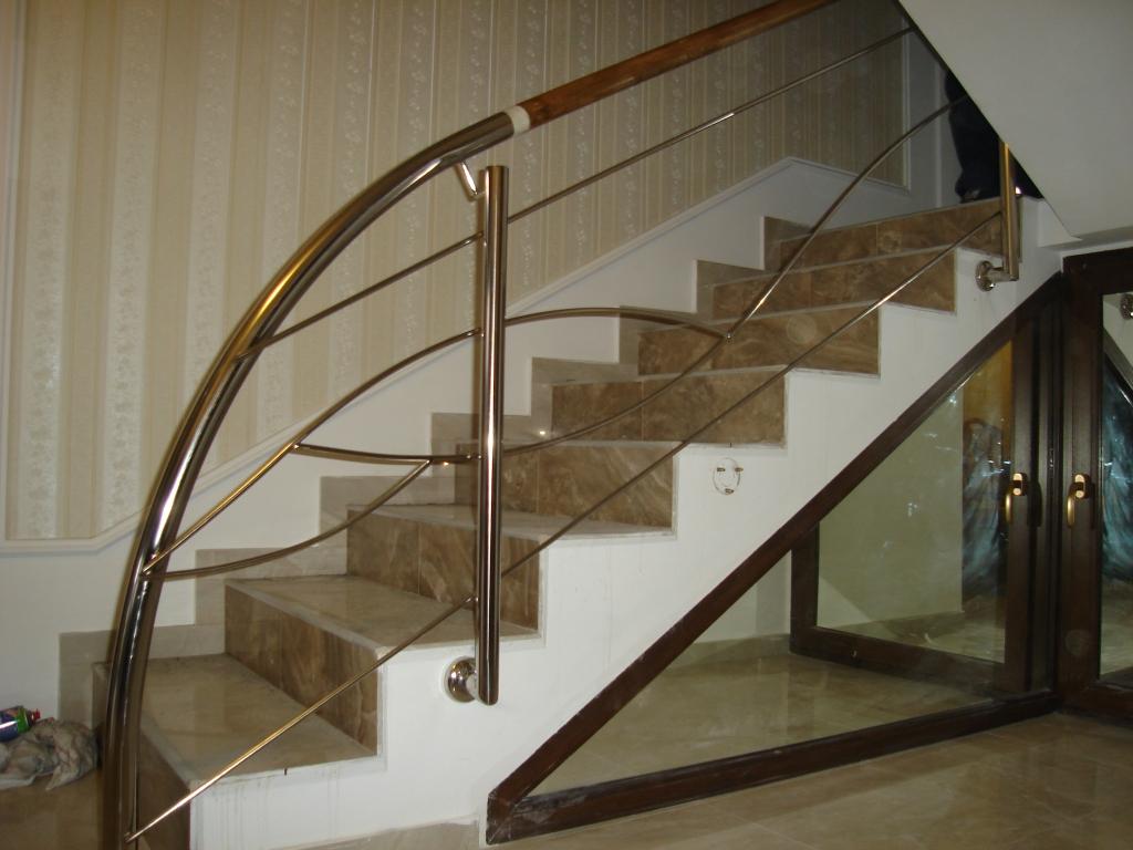 balustrad inox cu model i inser ie din lemn dcc. Black Bedroom Furniture Sets. Home Design Ideas